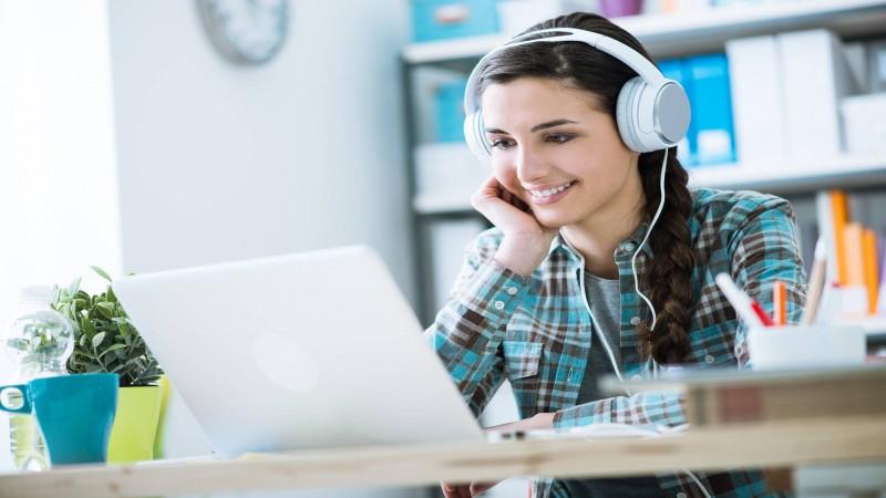 بهترین آموزشگاه آنلاین زبان